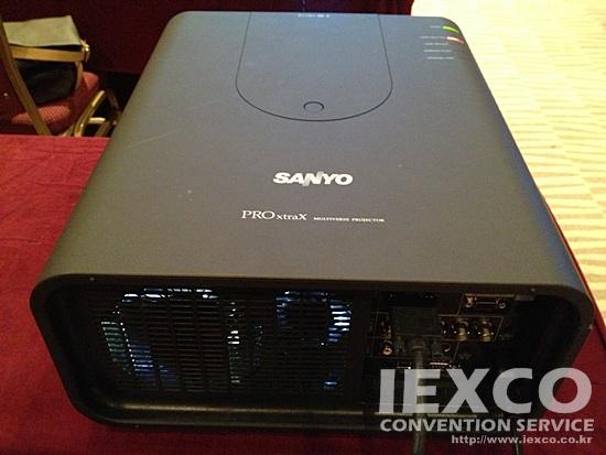 XP200K 7K Ansi Projector