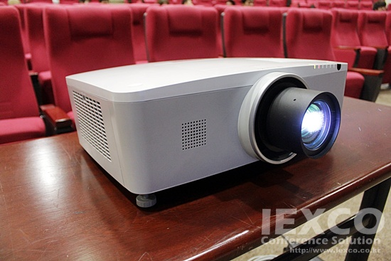 PLC-ZM5000 HD Projector